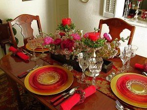 setting-dinner-table-correctly-spacious-decorations